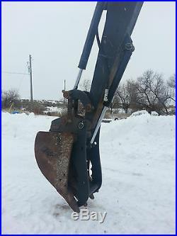 Hydraulic thumb attachment fits John Deere 26G, 27D & HitachiZX27 Excavators